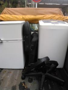 鹿児島市で冷蔵庫、洗濯機、椅子の回収ご依頼のお客様のビフォー写真