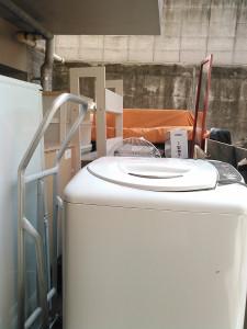 鹿児島市で洗濯機、本棚など回収写真