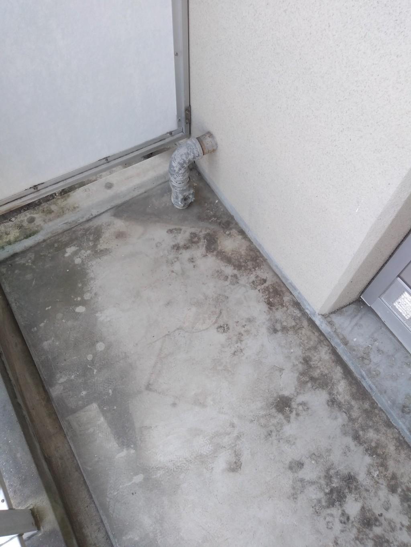【姶良市加治木町】鳥の糞で汚れたベランダの清掃ご依頼☆綺麗になったコンクリートにお喜びいただけました!