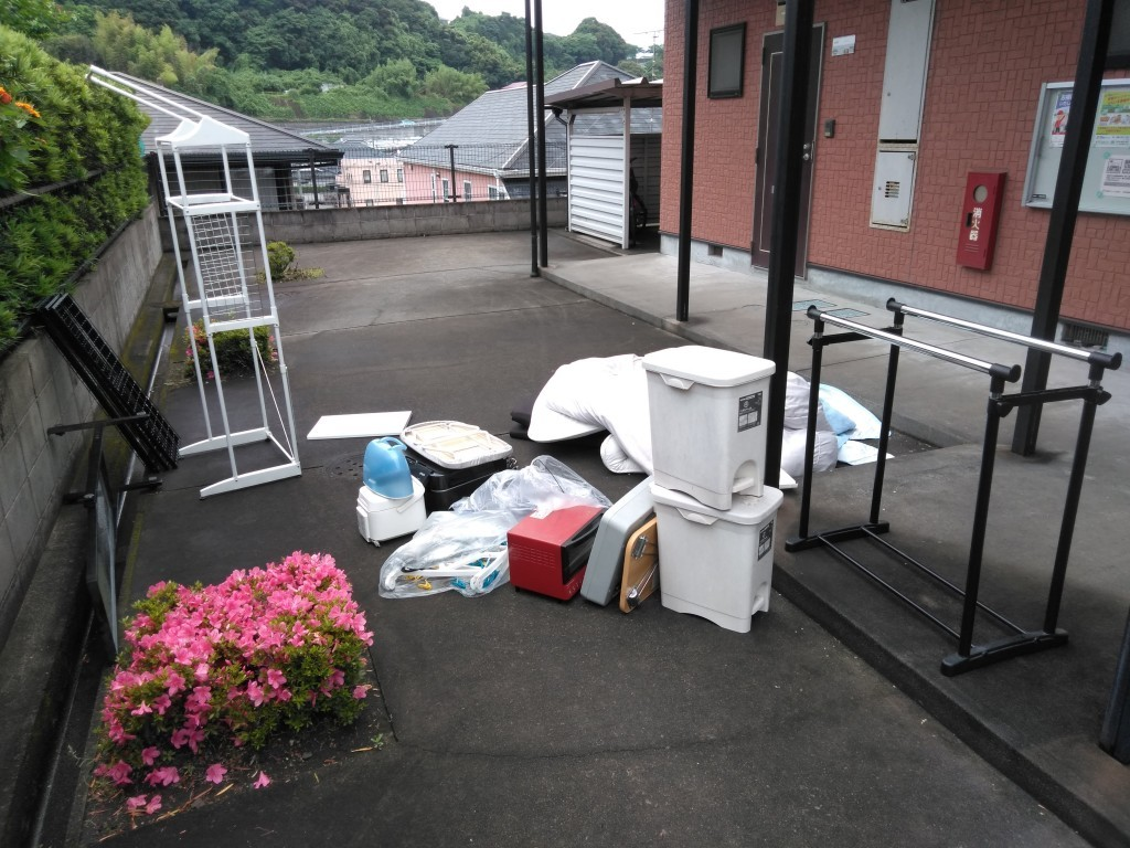 【日置市】遺品整理に伴い軽トラ2台分の出張不用品回収・処分ご依頼 お客様の声