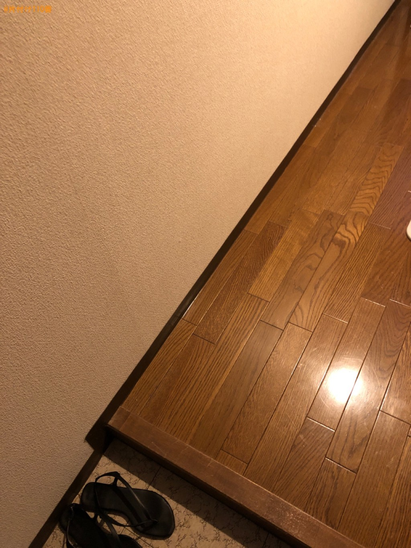 簡易ソファー、メタルラック、ローテーブル、掃除機、照明等の回収